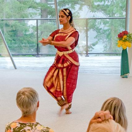 yoga-dance-anusha_425px