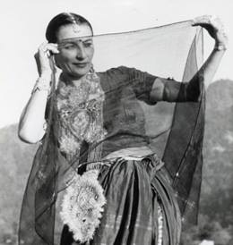 swami-radha-india-veil